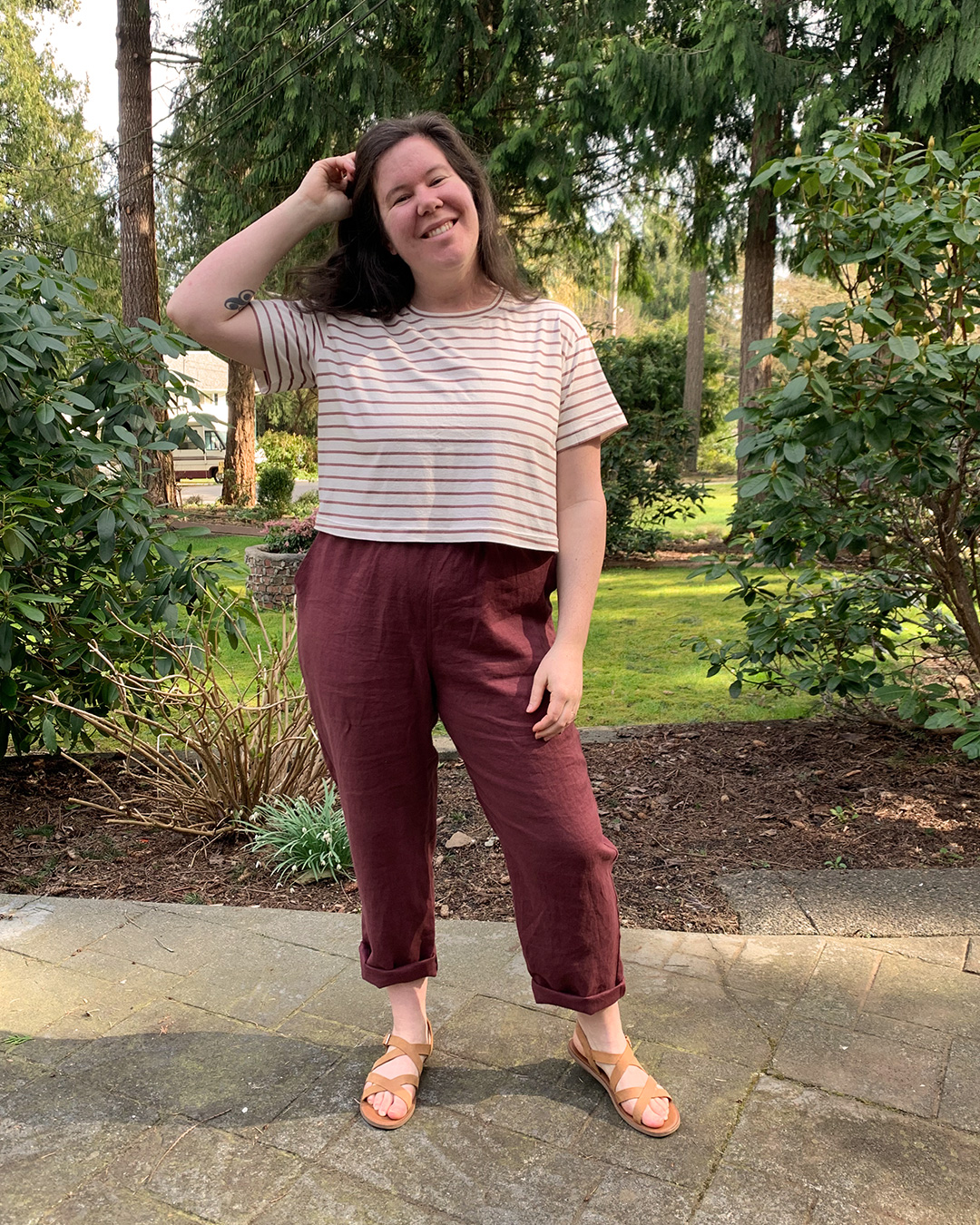 Learn how to crop a t shirt pattern like the Jackson Tee and pair it with cure high waisted pants like the Arden Pants sewing pattern.