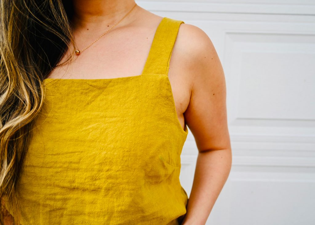 Candice's (@sewbakemake) Reynolds Top. Sewing Pattern from Helen's Closet Patterns