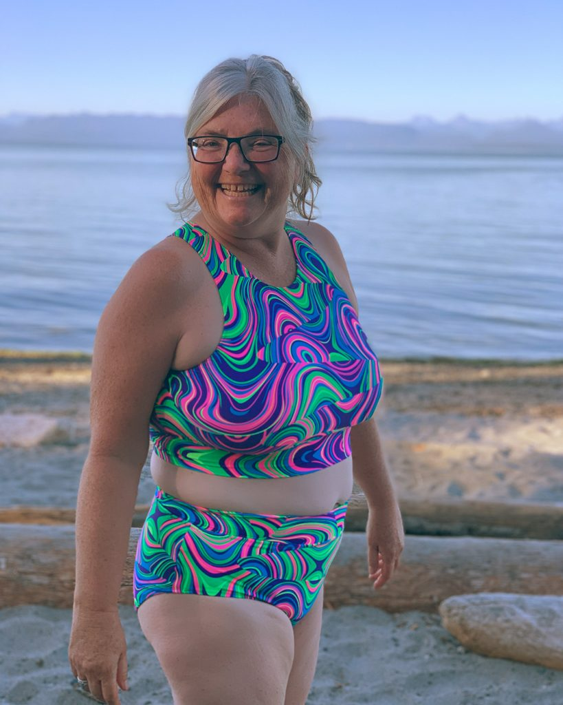 Laurie's beginner swimsuit project, the Sandpiper Swimsuit!